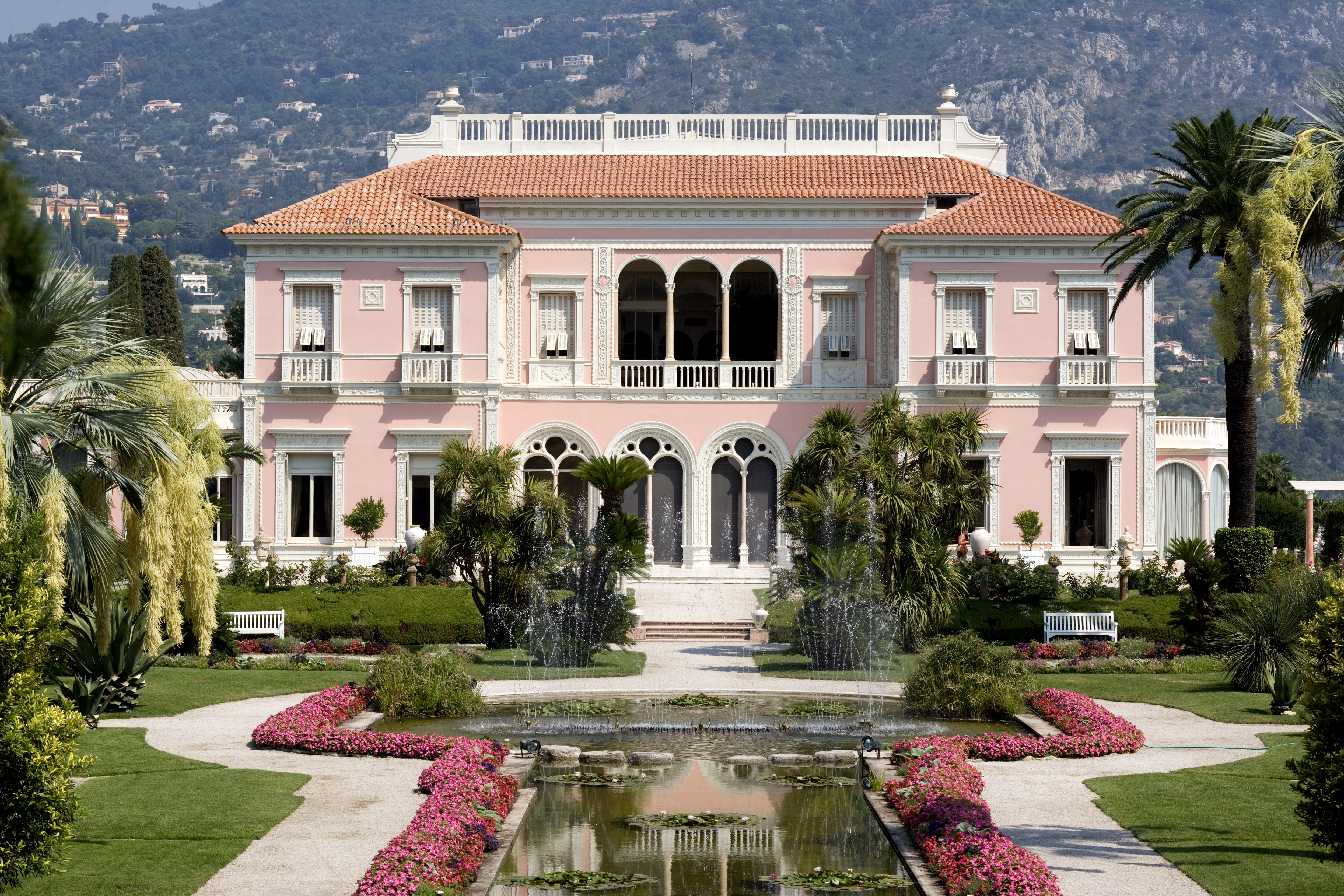 la villa latin dating site The show is set near sant llorenc des cardassar on majorca, but its specific  address has been kept secret.