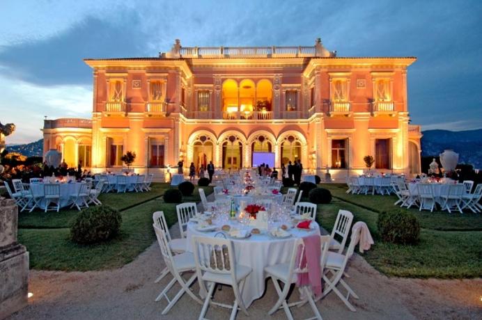 entre junho e setembro dificilmente chove nessa regio - Villa Ephrussi De Rothschild Mariage